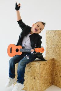 укулеле или гитара